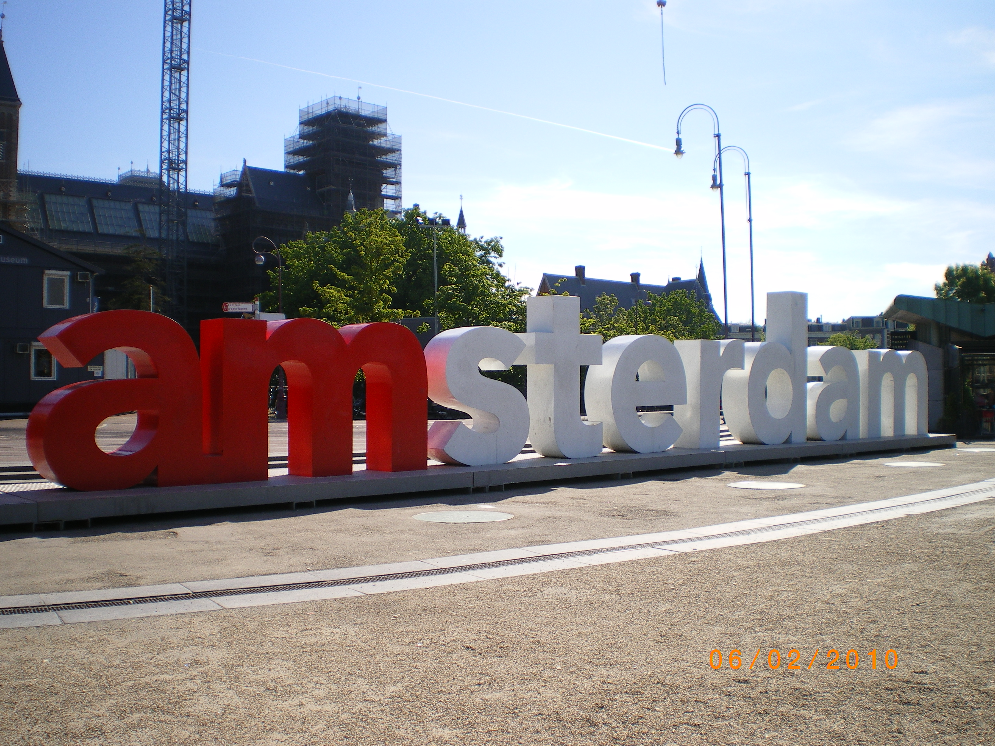 The I amsterdam sign outside the Rijks.